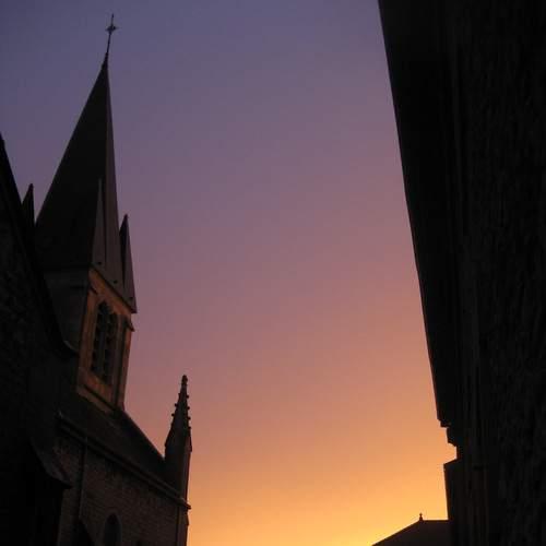 Clocher de Rimont au coucher du soleil